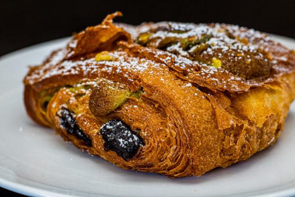 Chocolate Pistachio Croissant - JLPATISSERIE